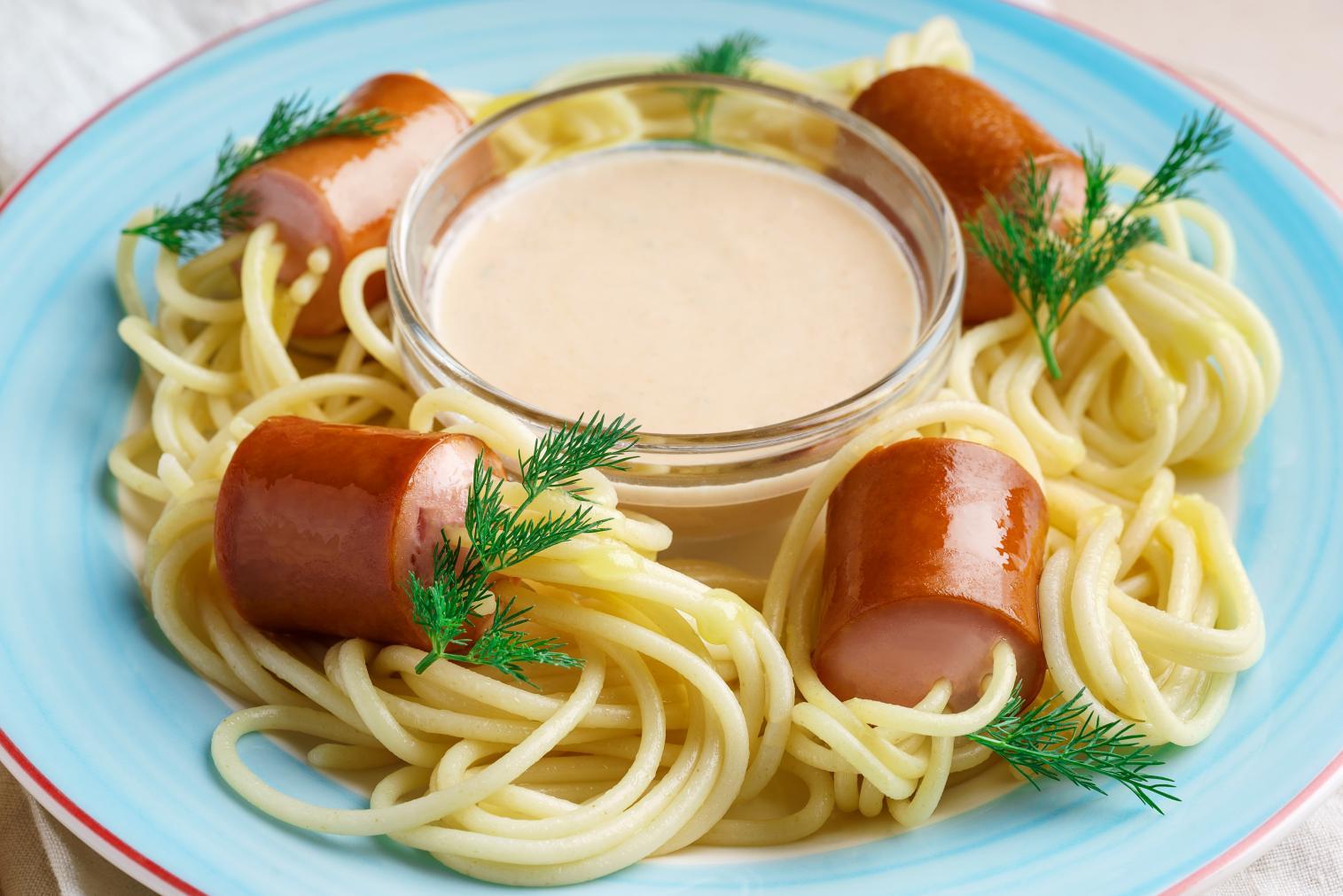 Макароны с сосиской рецепт фото